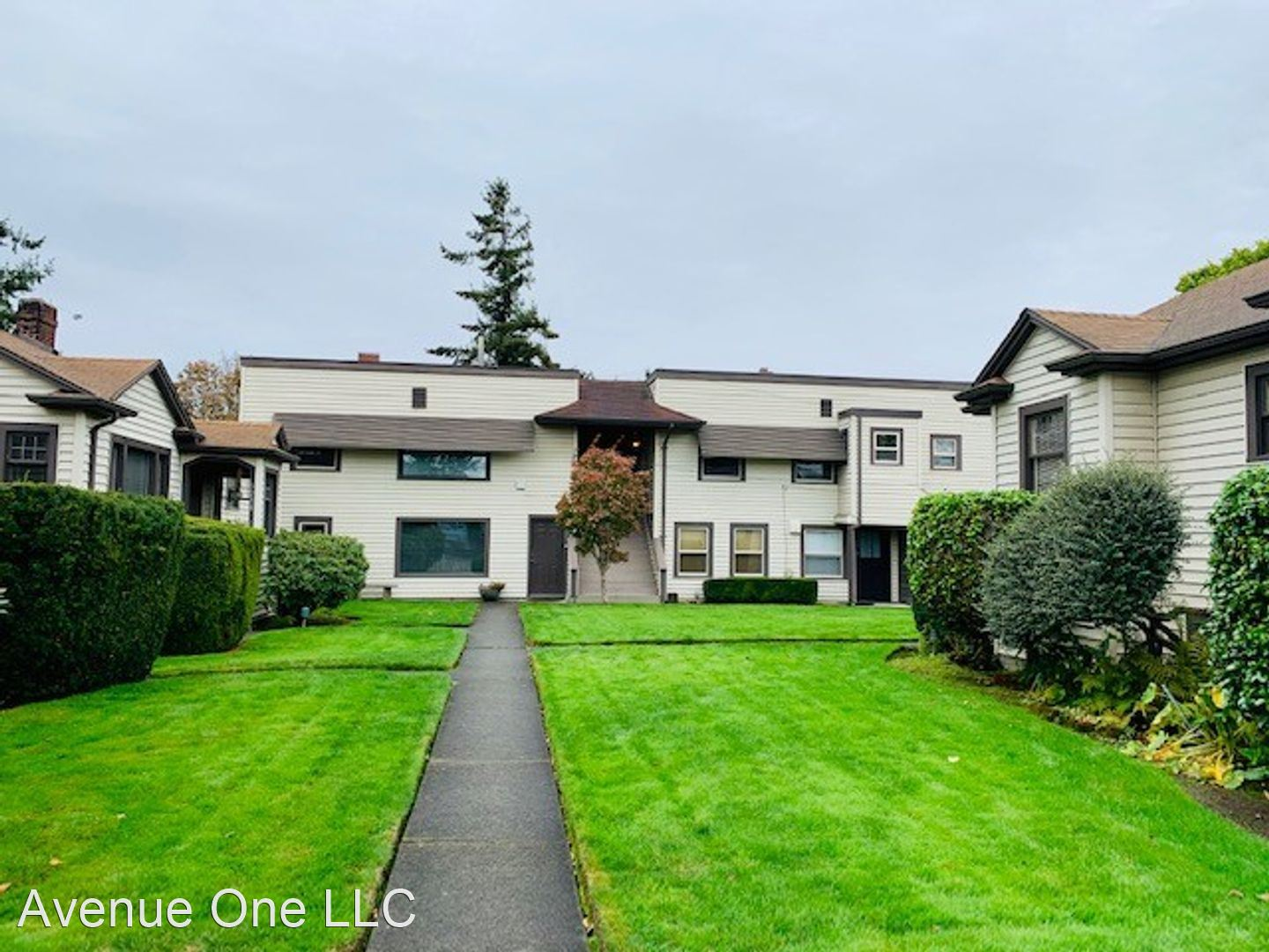 3240 63rd Ave SW  - 3240 Upper