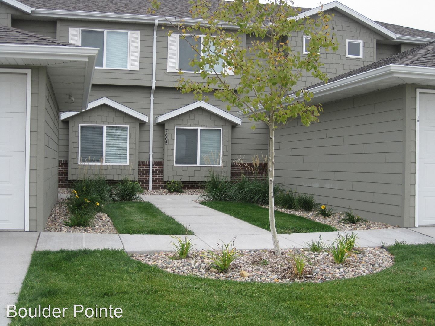 Boulder Pointe Town Homes 7601 W. Snapdragon Street