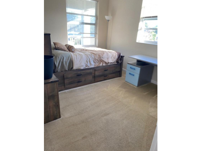 Room in Home available, Minutes from NSU